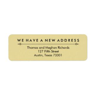 Nueva invitación elegante de la dirección en negro etiqueta de remite