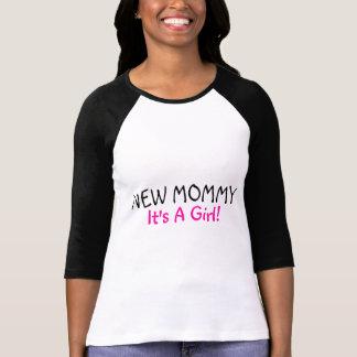 Nueva mamá su un negro del rosa del chica camiseta