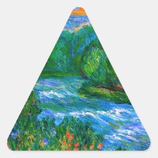 Nueva precipitación del río pegatina triangular