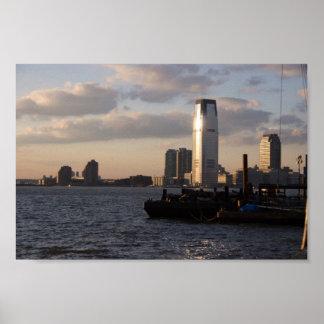 Nueva York en la puesta del sol tomada por el puer Poster