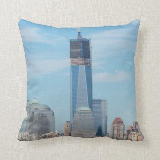 Nueva York, Nueva York. Horizonte de la ciudad de Cojín Decorativo