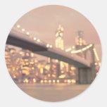 Nueva York - puente soñador de Bokeh Brooklyn Etiqueta Redonda