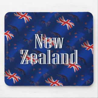 Nueva Zelanda que agita la bandera Tapetes De Raton