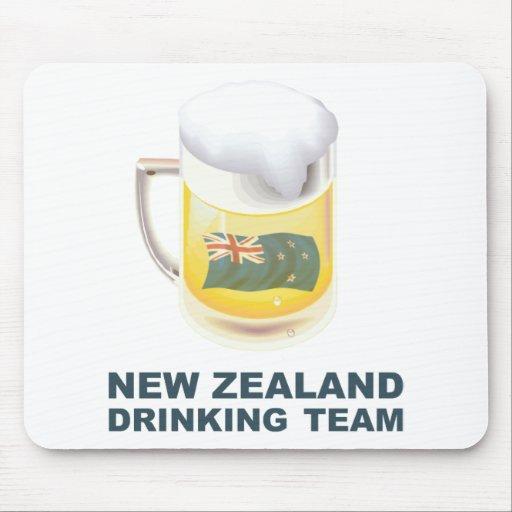 Nueva Zelanda que bebe al equipo Alfombrillas De Raton