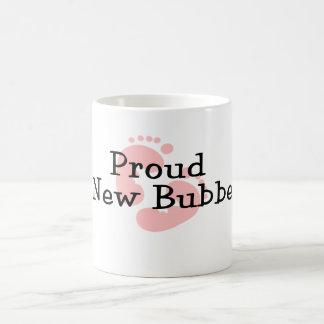 Nuevas huellas orgullosas de la niña de Bubbe Taza Clásica