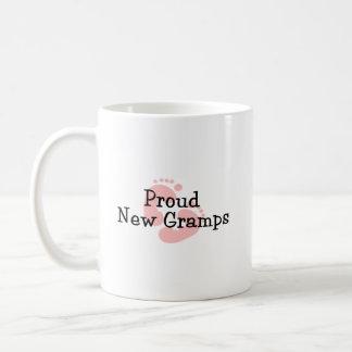 Nuevas huellas orgullosas de la niña de Gramps Taza Clásica