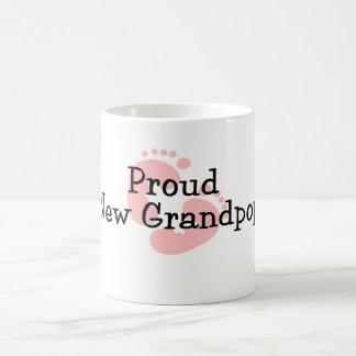 Nuevas huellas orgullosas de la niña de Grandpop Taza Clásica
