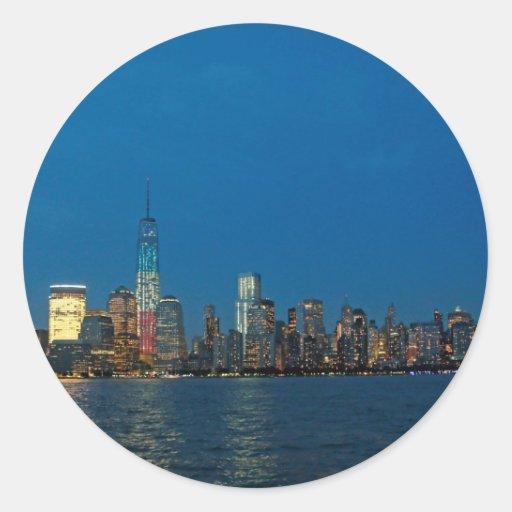 Nuevas luces de la noche de New York City los Pegatinas Redondas