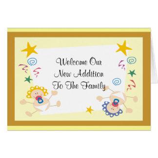 Nuevo amarillo agradable del bebé o del chica tarjeta de felicitación