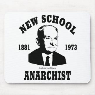 Nuevo anarquista  --  Ludwig von Mises Alfombrillas De Raton