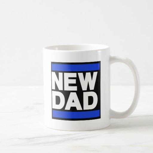 Nuevo azul del papá taza básica blanca