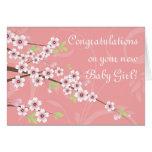 Nuevo bebé, tarjeta rosada de la flor de cerezo