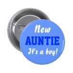 Nuevo botón del bebé del muchacho de la tía