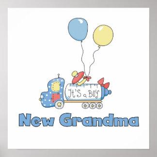 Nuevo camión de la abuela es regalos de un muchach póster