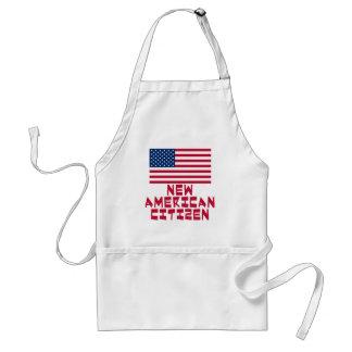 Nuevo ciudadano americano con la bandera americana delantal