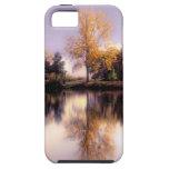 NUEVO iphone caso de 5 reflexiones del otoño iPhone 5 Case-Mate Cárcasas