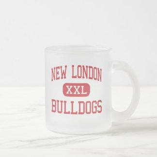 Nuevo Londres - dogos - alto - nuevo Londres Taza