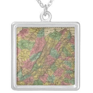 Nuevo mapa de Virginia 2 Colgante Cuadrado