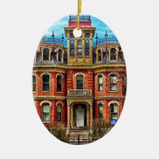 Nuevo ornamento casero de la foto del primer adorno navideño ovalado de cerámica