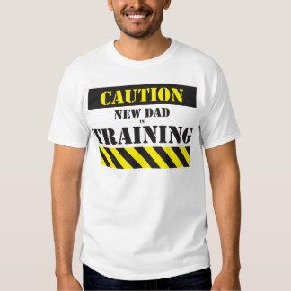 Nuevo papá de la precaución en el entrenamiento remeras