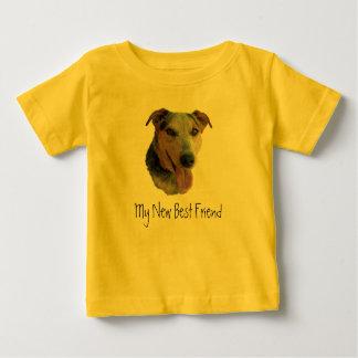 Nuevo perrito - muchacho del cumpleaños t-shirt