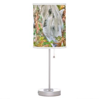 Nuevo potro blanco del bosque de Hampshire Inglate Lámpara De Mesilla De Noche