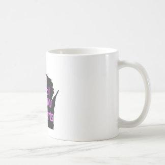 Nuevo rosa unido del logotipo del consejo en negro taza básica blanca