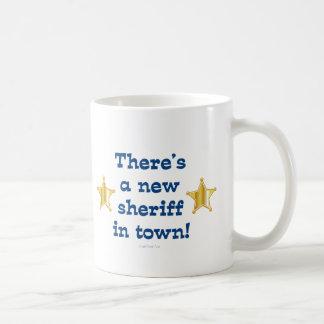 Nuevo sheriff en ciudad taza básica blanca