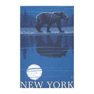 Nuevo YorkBear en el claro de luna Impresión De Lienzo
