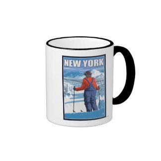Nuevo YorkSkier que admira la visión Tazas De Café
