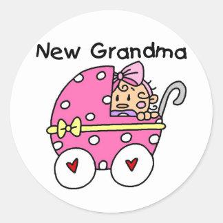 Nuevos camisetas y regalos de la abuela de la niña pegatina redonda