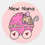Nuevos camisetas y regalos de Nana de la niña Pegatina Redonda