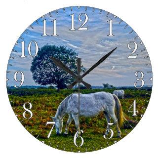 Nuevos potros blancos raros del bosque, caballos s relojes
