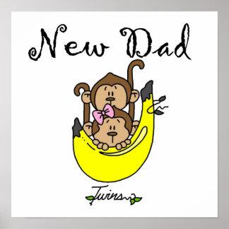 Nuevos regalos gemelos del papá del muchacho y del poster