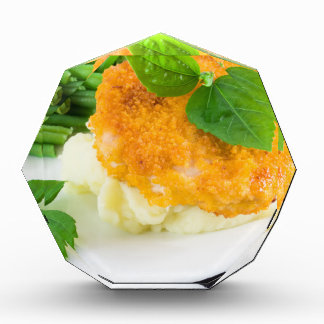 Nuggets of chicken, mashed potatoes and green bean award