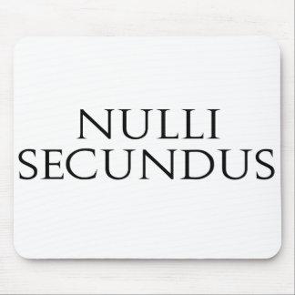 Nulli Secundus Tapetes De Raton