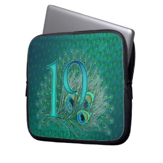 Number 19 / age / years / 19th birthday template laptop sleeve