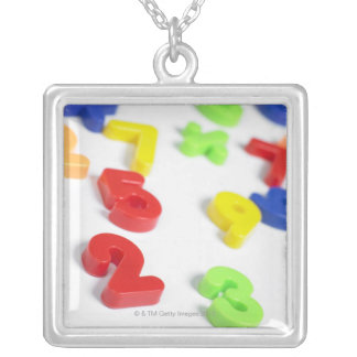Number magnets square pendant necklace