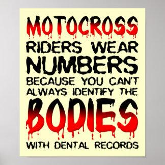 Numere los cuerpos muestra del poster del motocrós