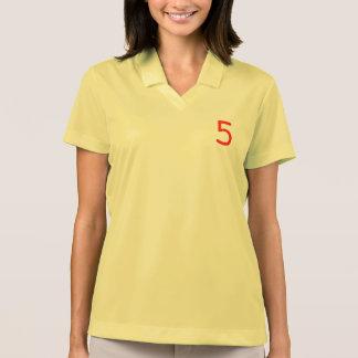 Número 5 camiseta polo