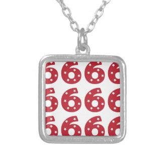 Número 6 - Estrellas del blanco en rojo oscuro Joyeria