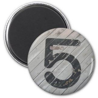 Número afortunado 05 imán redondo 5 cm