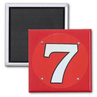 Número afortunado siete imán cuadrado