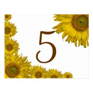 Número amarillo de la tabla del borde del girasol postales