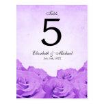 Número color de rosa púrpura de la tabla del boda  tarjeta postal