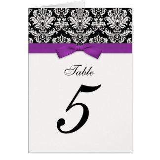 Número de asiento púrpura de la tabla del arco del tarjeta de felicitación