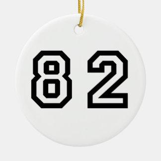 Número ochenta y dos adorno navideño redondo de cerámica