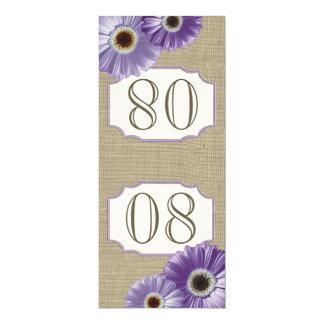 Número púrpura de la tabla de la margarita del invitación 10,1 x 23,5 cm