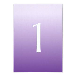 Número púrpura de la tabla del boda de Ombre