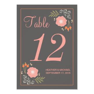 """Número retro rústico de la tabla de las flores invitación 5"""" x 7"""""""